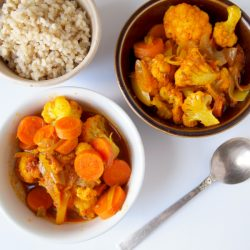 This healthy vegetable curry recipe is easy to make and incredibly flavorsome.